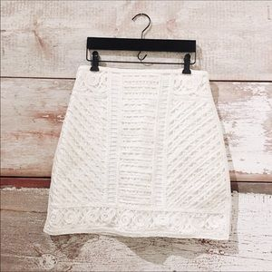 H & M // NWOT embroidered skirt